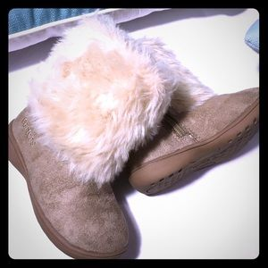 Carter's Fuzzy Boots - 8